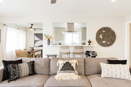 San Clemente Condo, Steps to the Beach with a BBQ