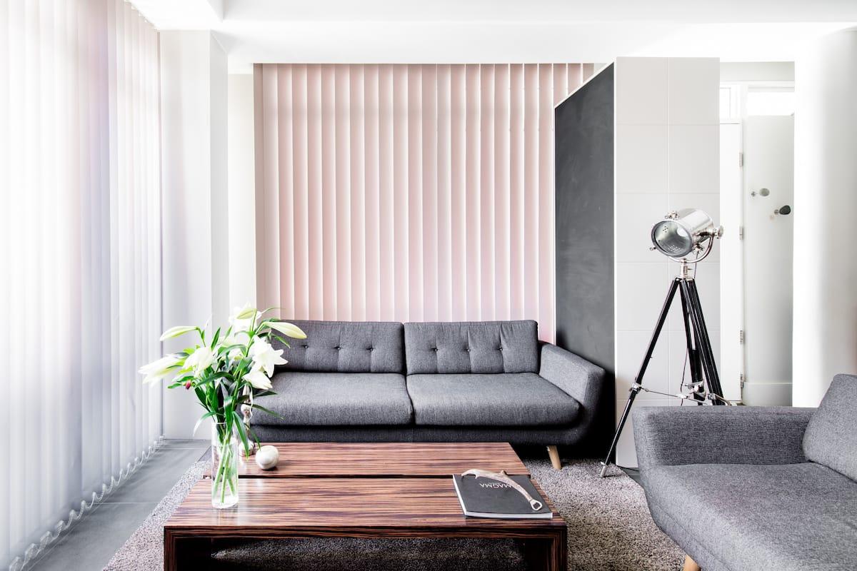 Urban Minimalist Design Apartment
