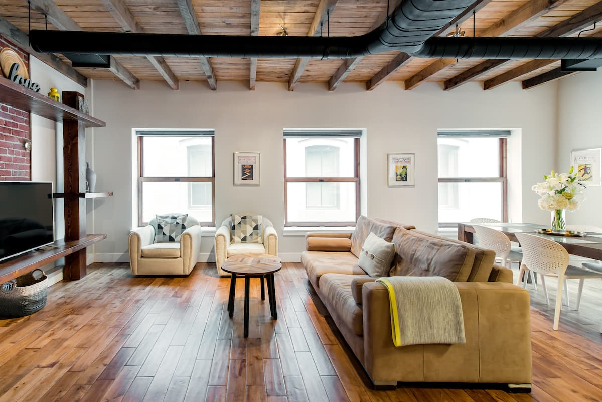 Grand Master Loft in Central Old Montreal