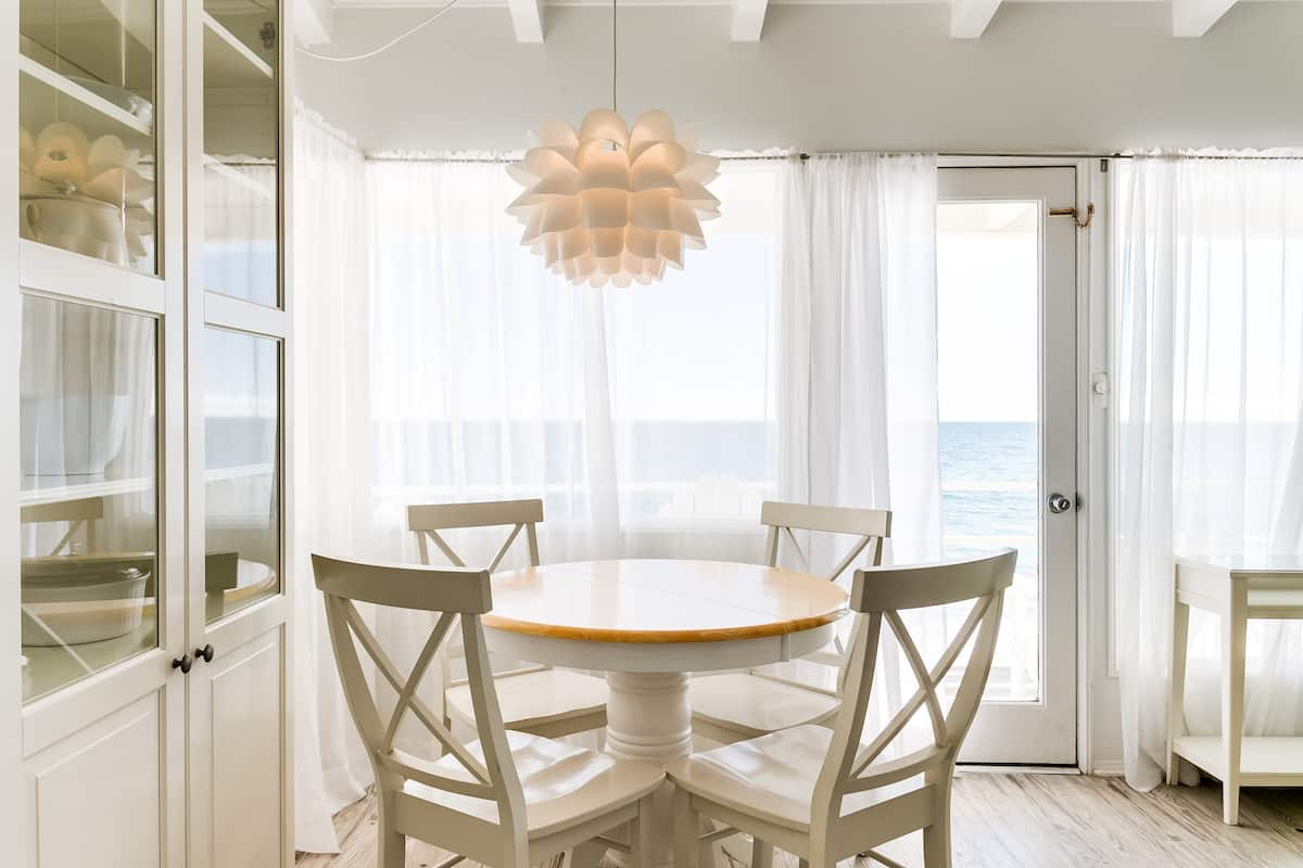 Malibu Carbon Beach Oceanfront Bungalow Ten