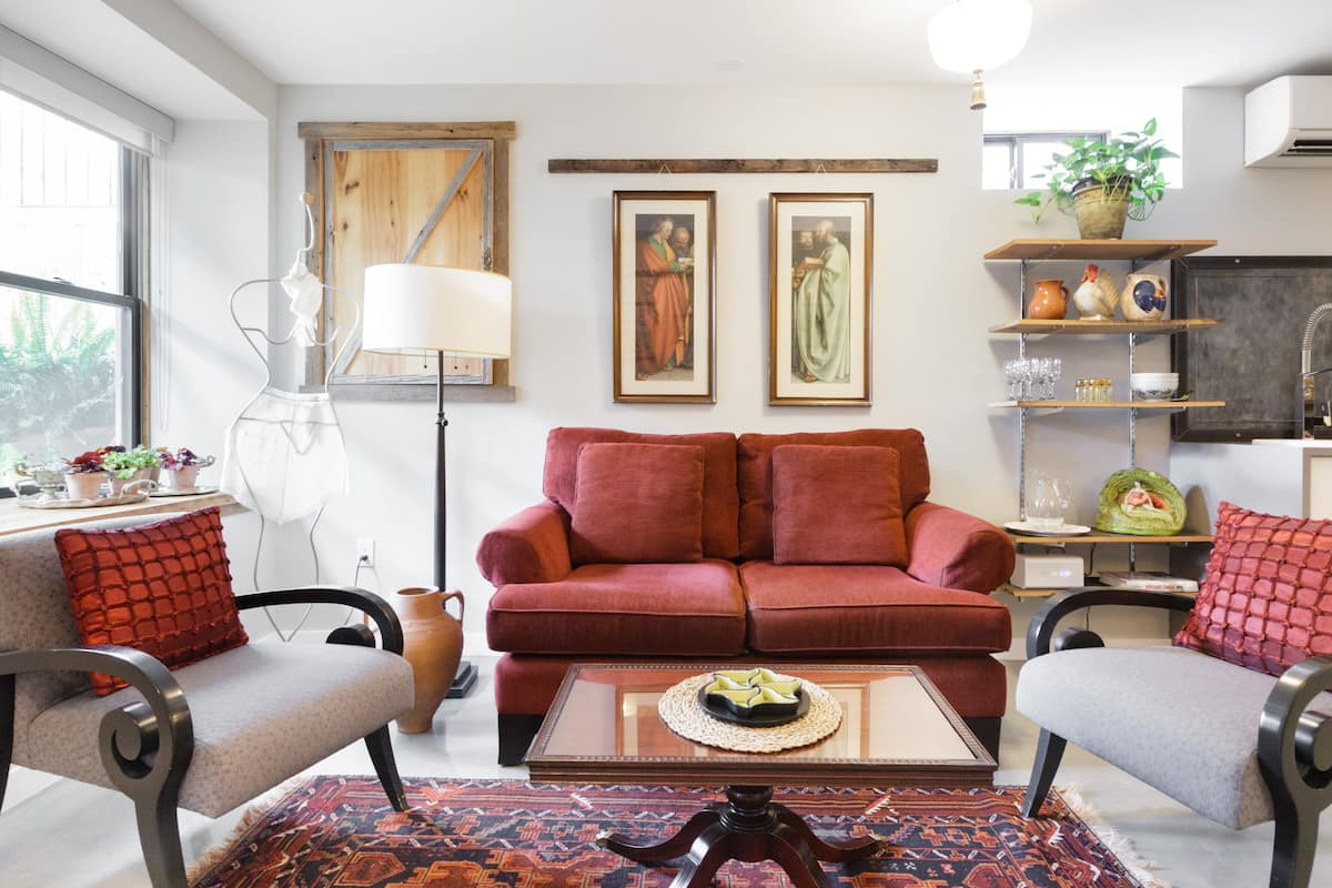 Vintage Style Apartment for Staycation in Historic Annex