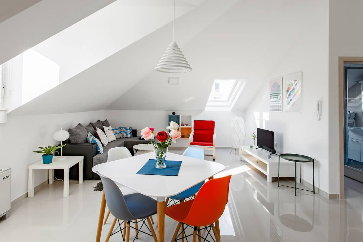 Walk to the Medieval Old Town from a Sparkling Modern Loft