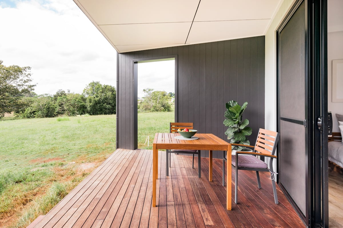 Escape the Hustle in a Contemporary Studio in Byron Bay