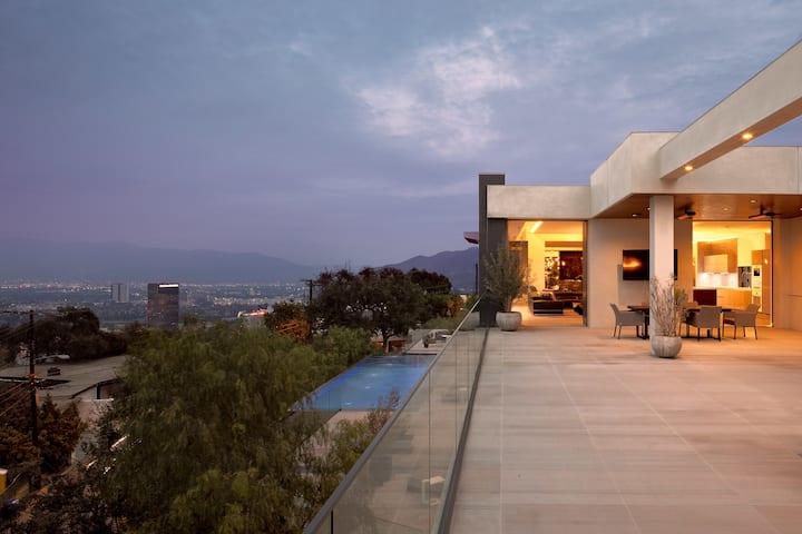 Skybox Villa