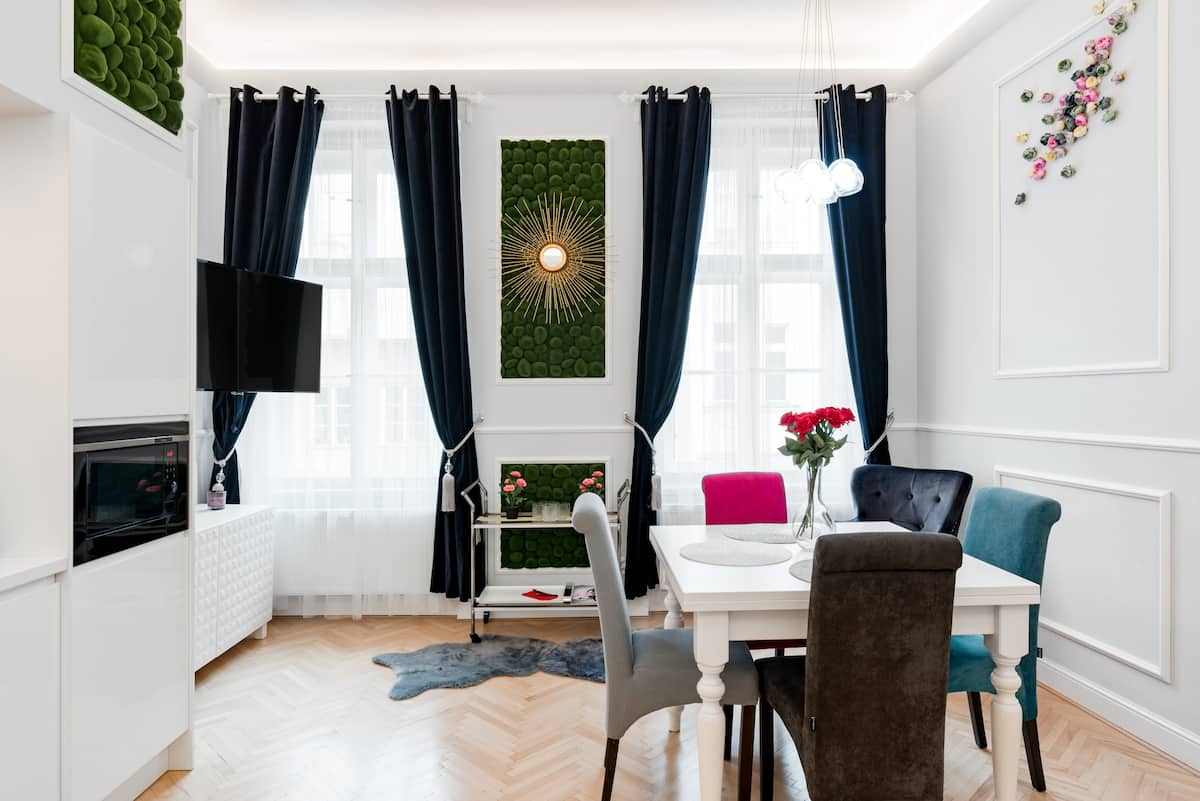 Curated Vogue Apartment in Historical Space