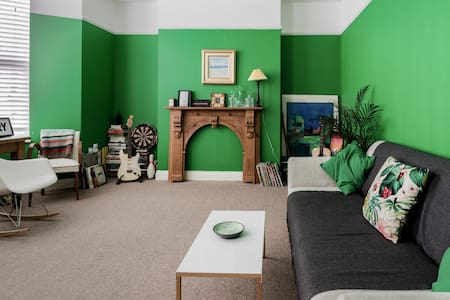 Stylish Room in Victorian Townhouse near Beach & Margate