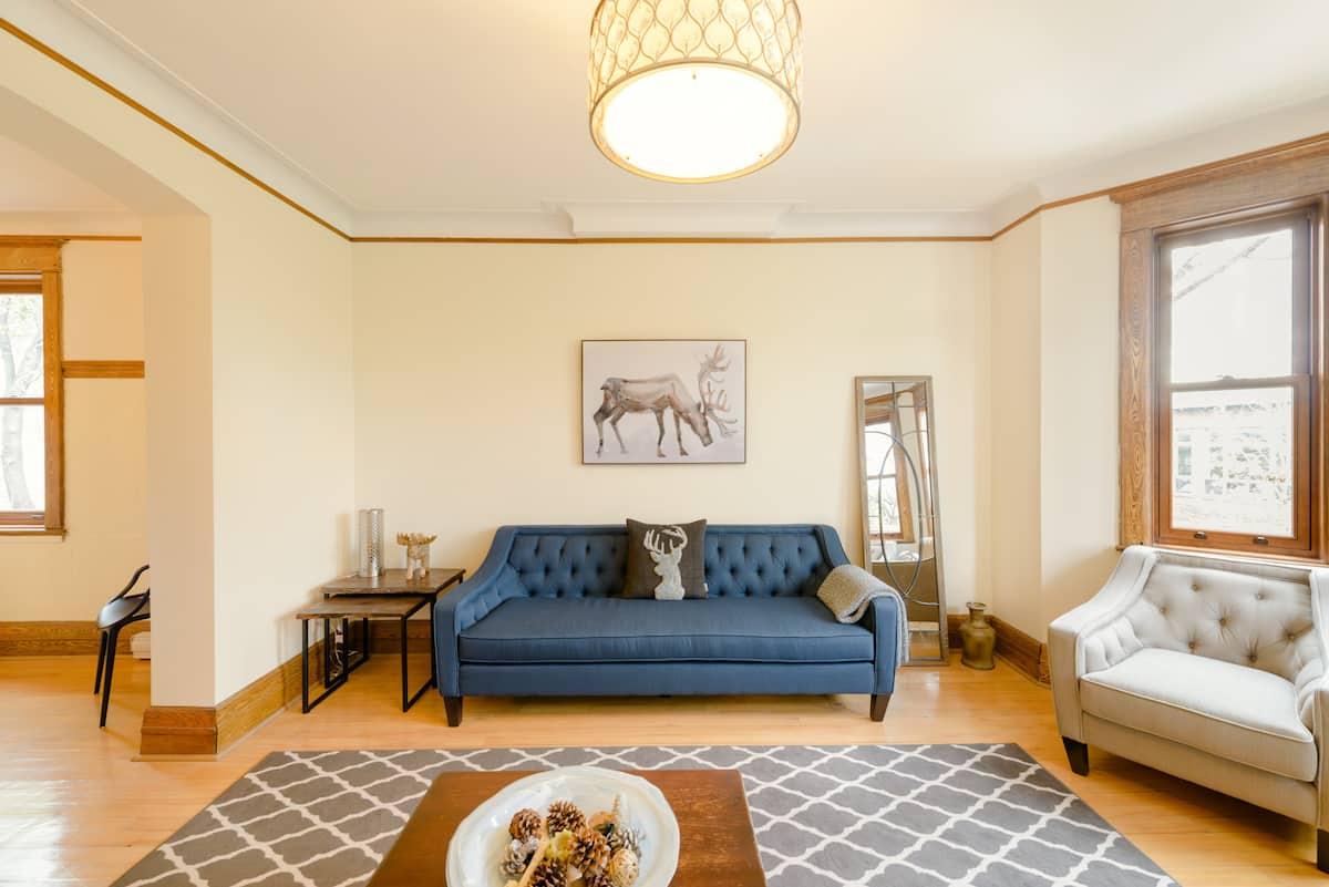 Luxury Historic & Spacious Montreal Three Bedroom with Deck