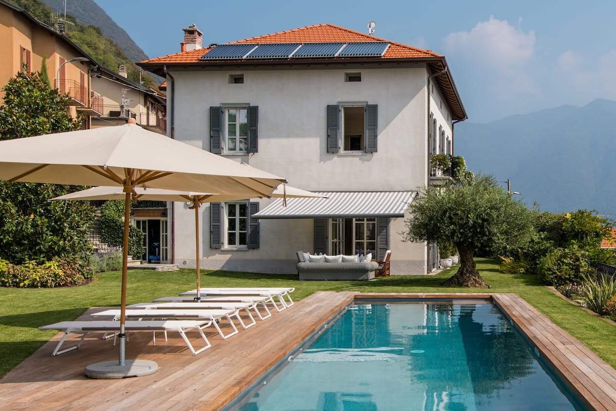 Villa Meridiana in Moltrasio with pool garden & lake view