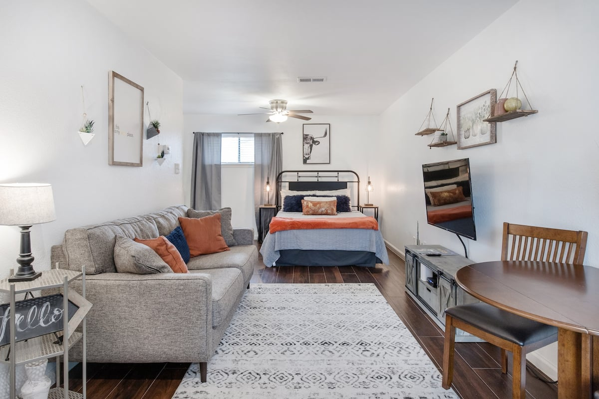 Explore Austin from Chic Studio Apartment