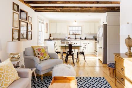 1830 Enchanting, Light-Filled Farmhouse Apartment
