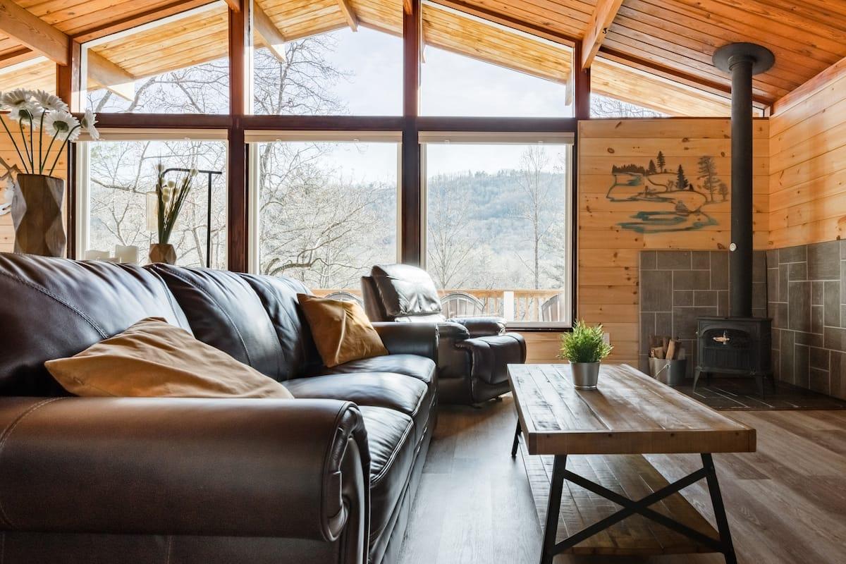 The Tree House, Admire Pristine Mountain View's
