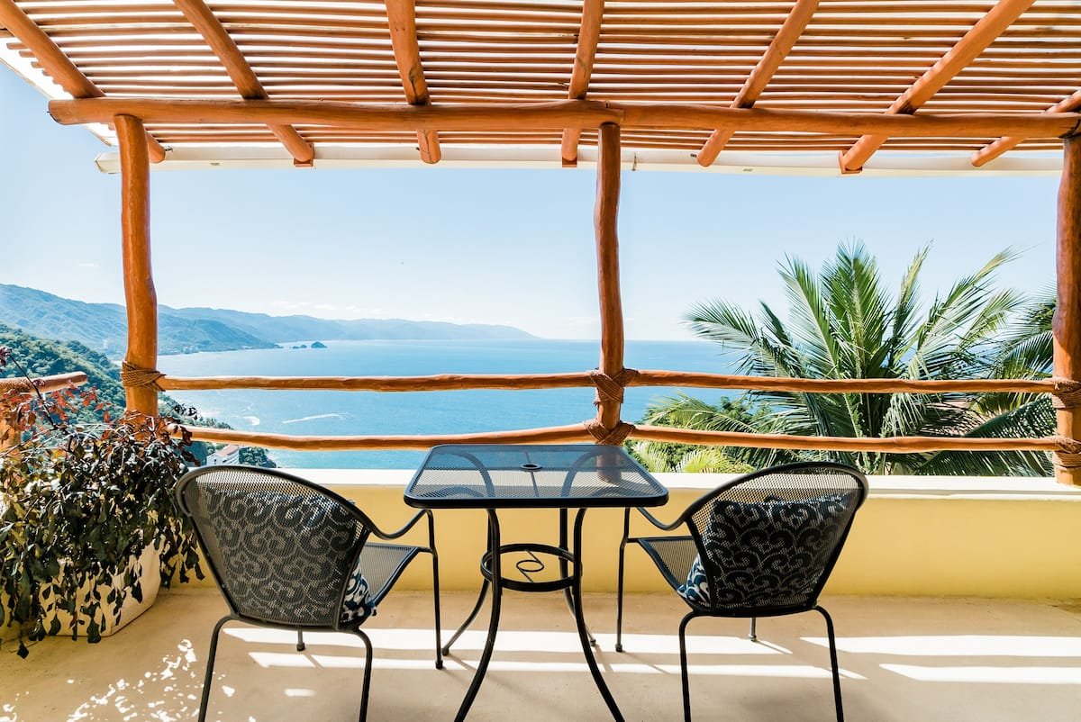 Amazing Ocean View Villa with Full Staff