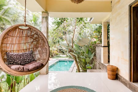 Refurbished Villa Surrounded by Palm Trees Near Ubud