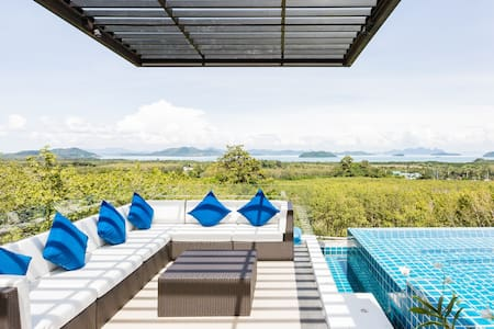 Palatial Bay View Villa with Infinity Pool