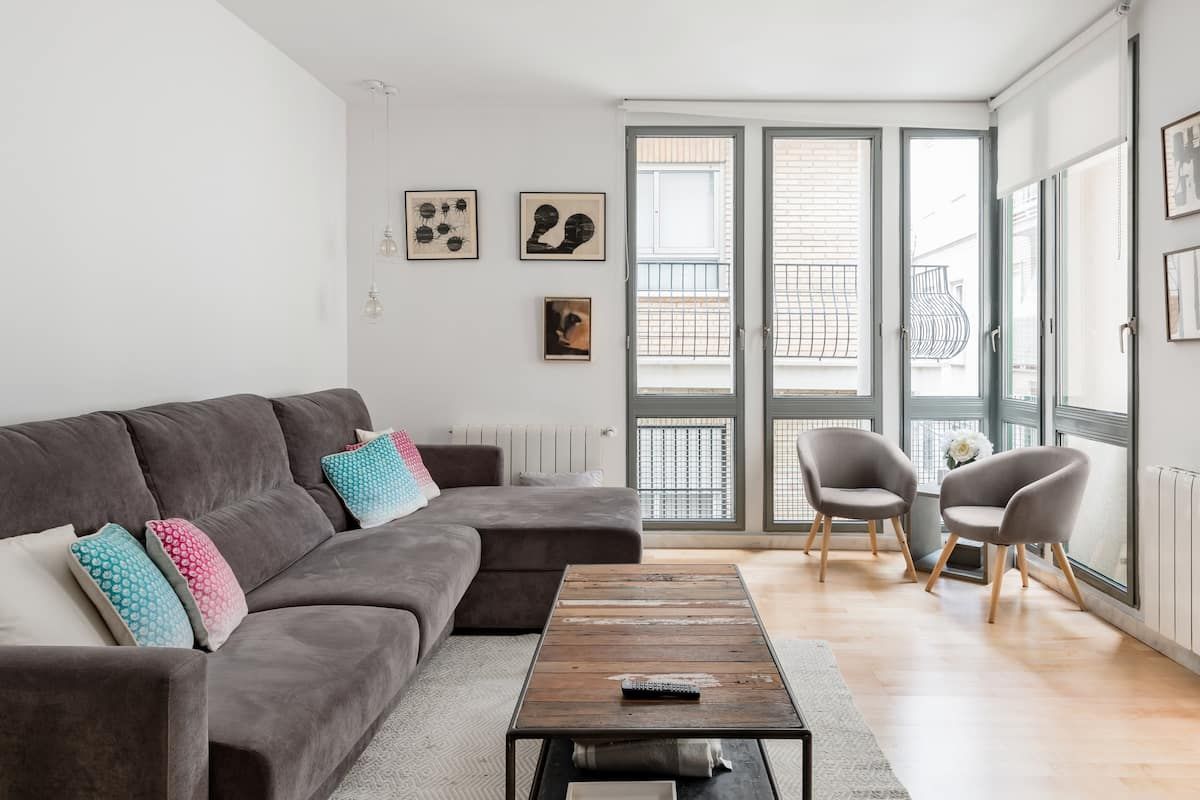 City Center Apartment With Shaded Terrace