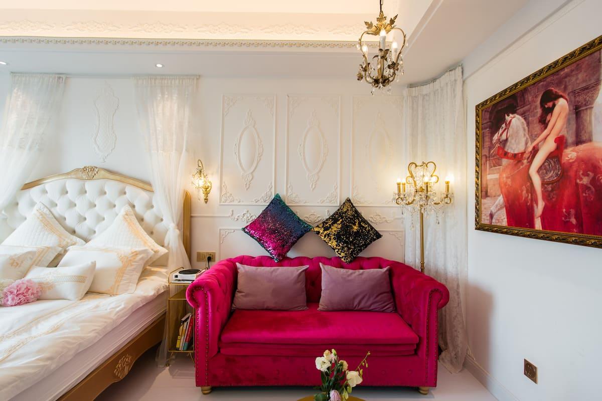 入住Songjiang附近的Amarissa法式奢华公寓 酒店式公寓,在这里你能享受法式浪漫风情