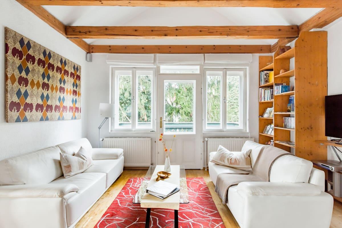Frische Luft und Ruhe tanken in einer Architektenvilla im Wienerwald