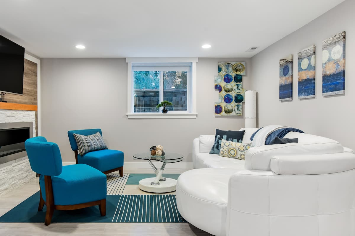 Unwind at a Modern Kirkland Suite