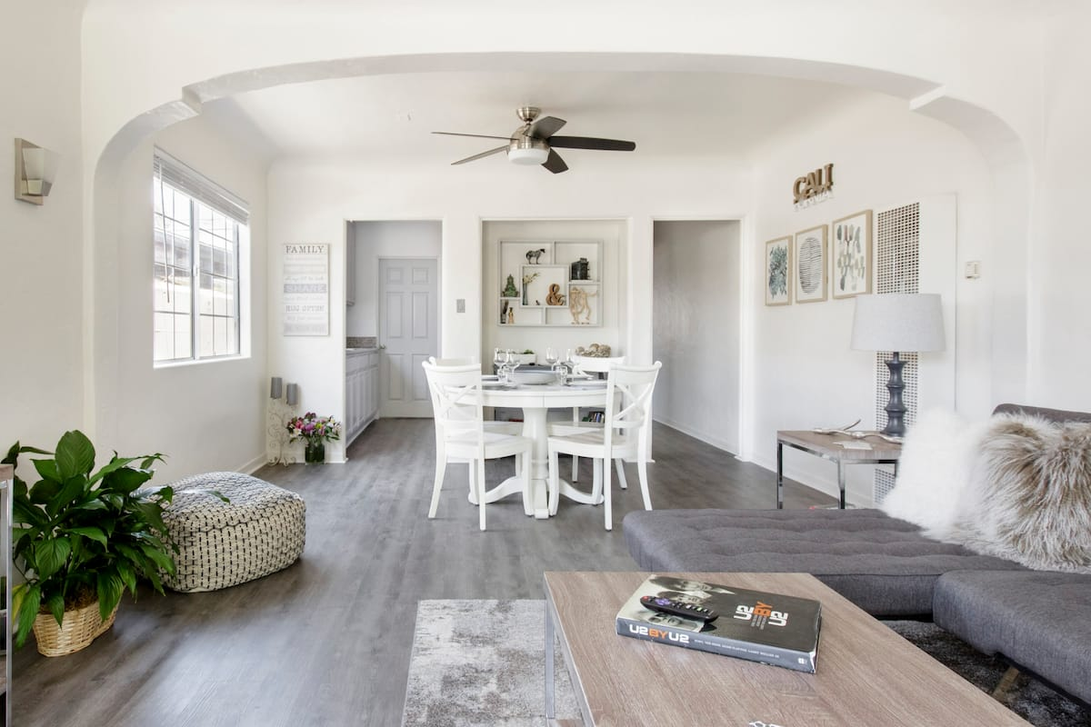 Stay in a Comfy, Hip-Recently Remodeled Spanish-style Casita