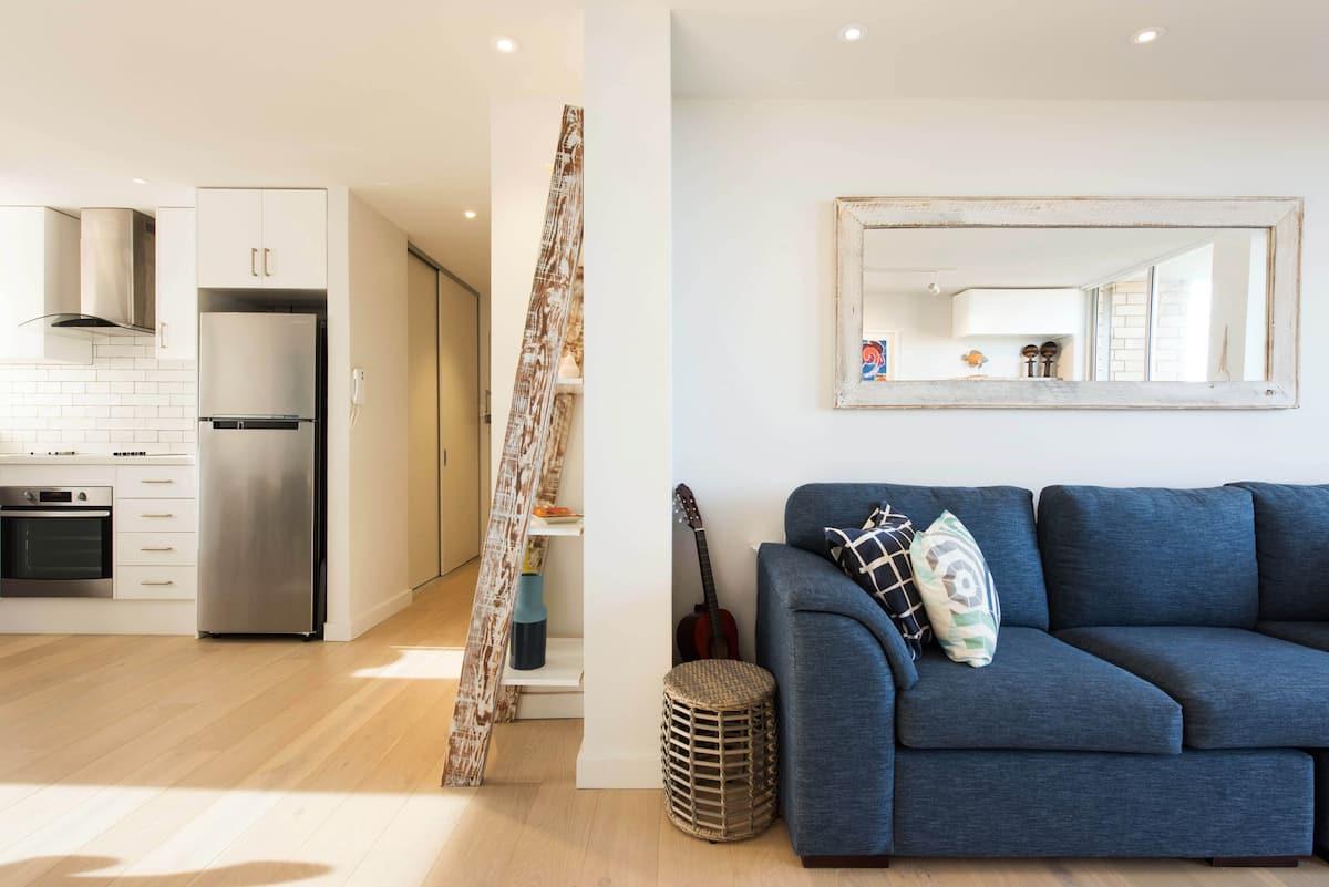 Bright, Spacious Apartment Close to Bondi Beach