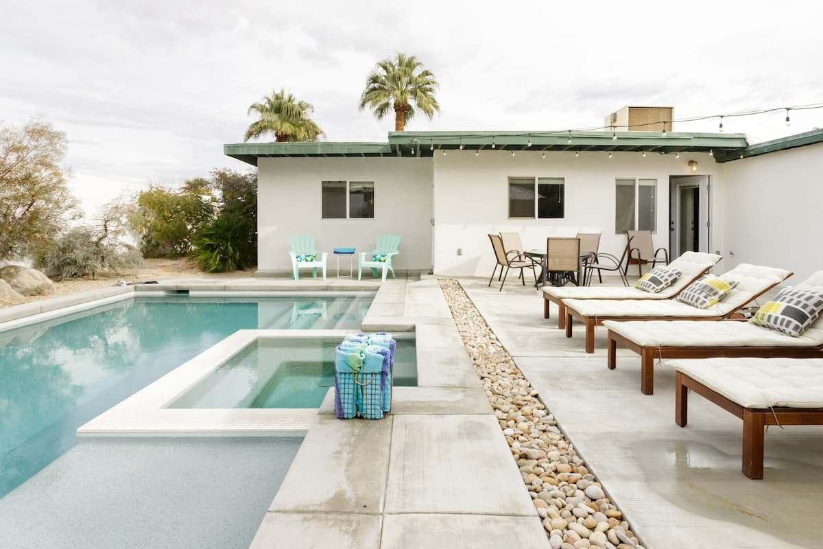 Live the Palm Springs Lifestyle at a Mid-Century Retreat