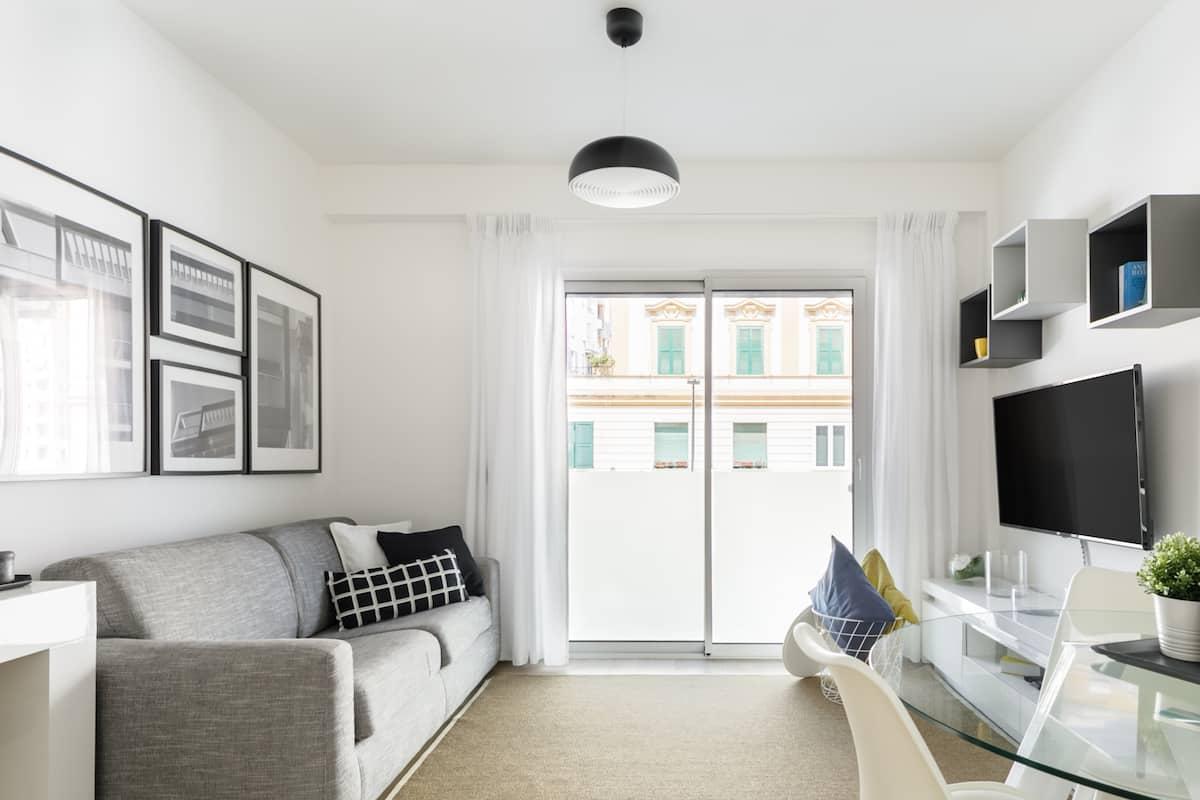 Appartamento Elegante in Stile Minimalista