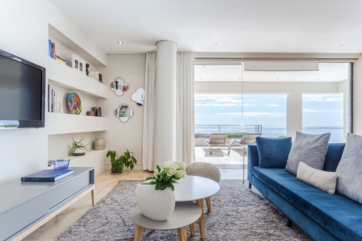 Stylish Apartment in Bantry Bay with the Most Amazing Sea View