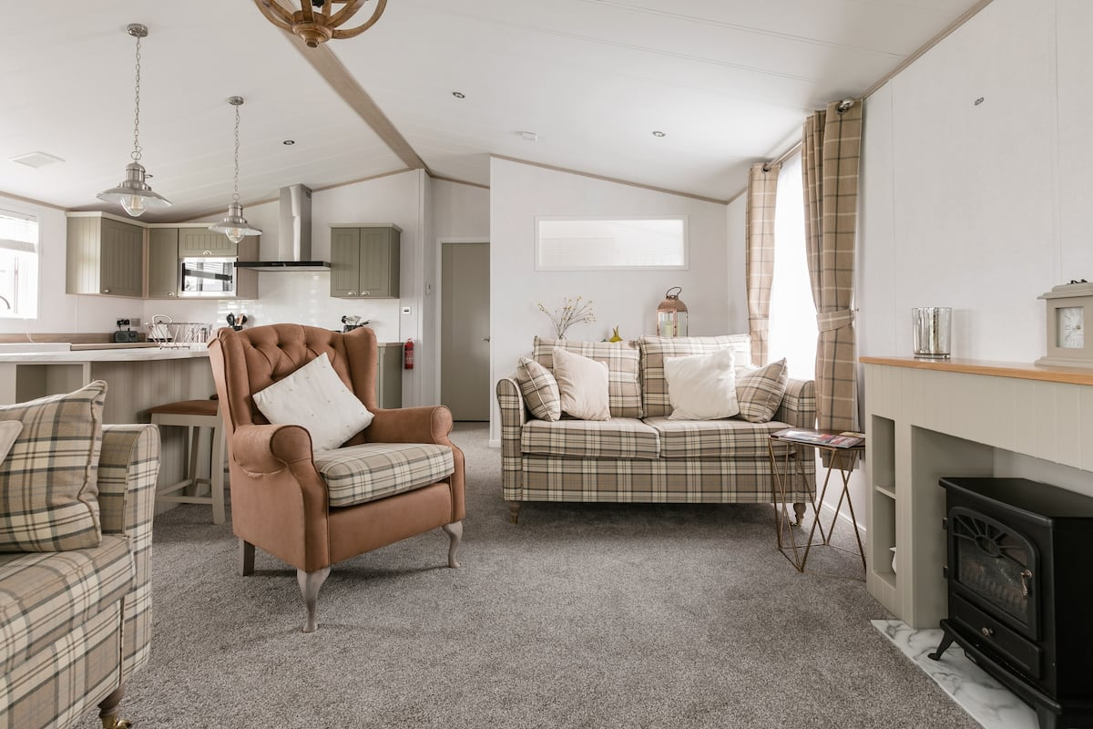 Spacious, Luxury Lodge St Merryn