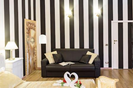 Trevi Fountain Luxury Home