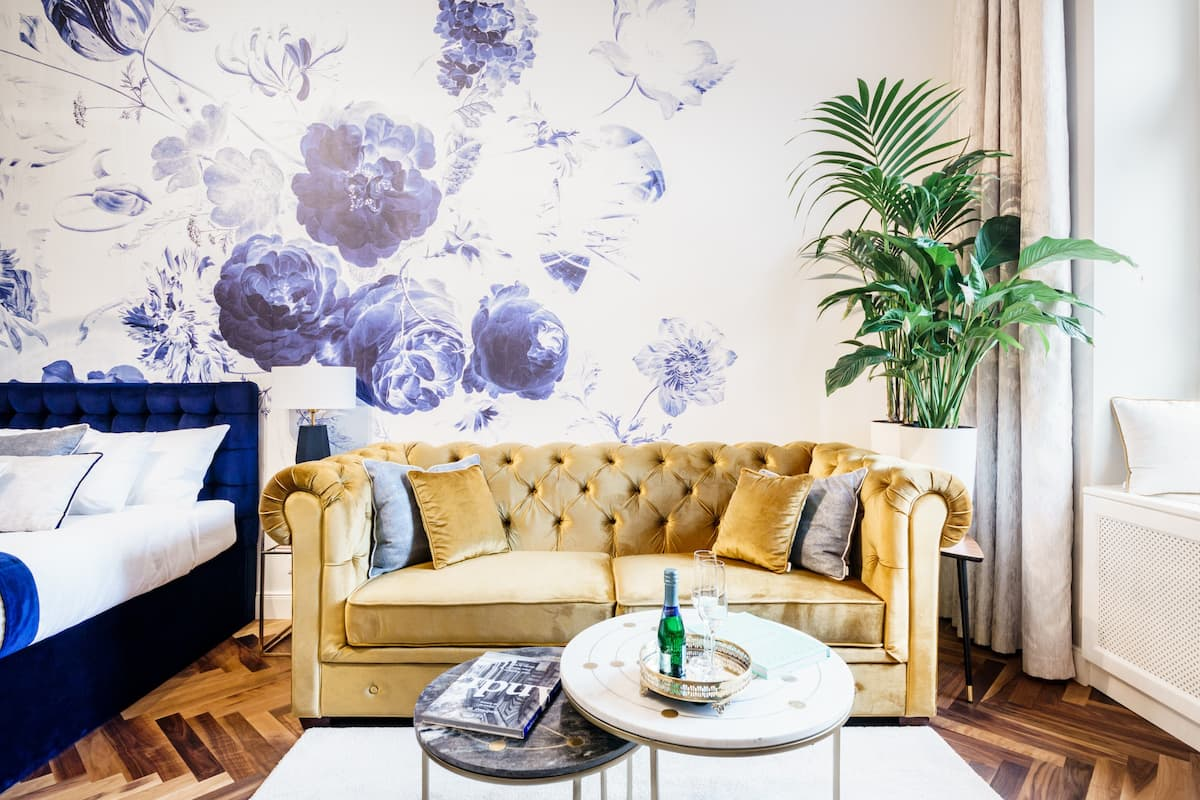 Royal Blue Home- luxury flat in Andrássy Avenue