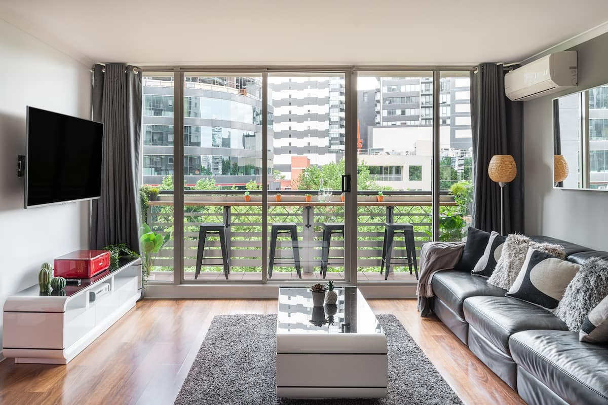 On The Boulevard With Balcony, Tennis, Gym, Pool & Parking