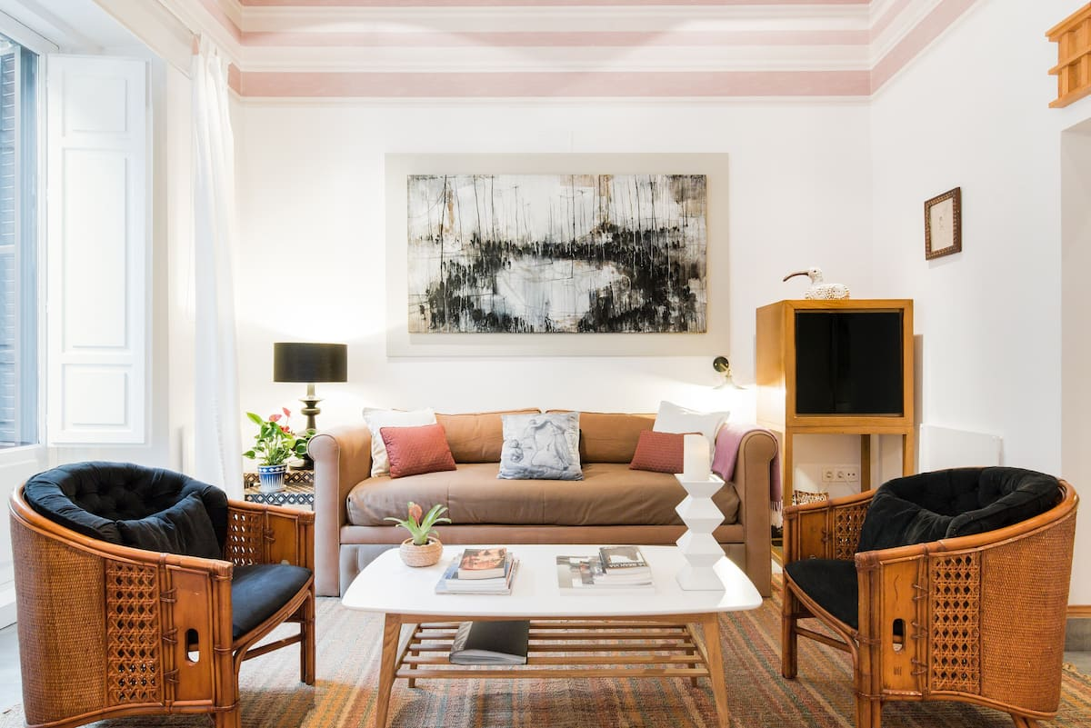 Stroll to the Royal Palace from a Charming Central Apartment