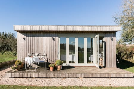 Cruxton Studio, an Idyllic Countryside Escape