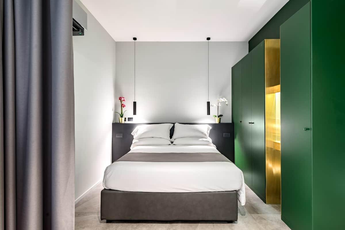 Luxury Via Marche Suite in La Dolce Vita Heart of Rome