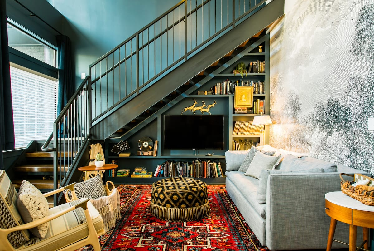Niido's Two-Story Loft with Street Access in Downtown