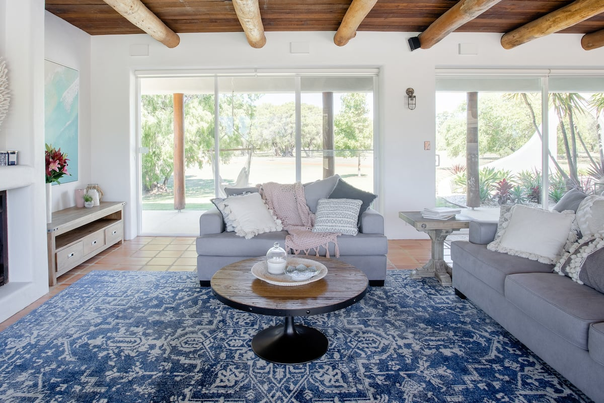 George's Place by the Beach—Luxury on Geographe Bay