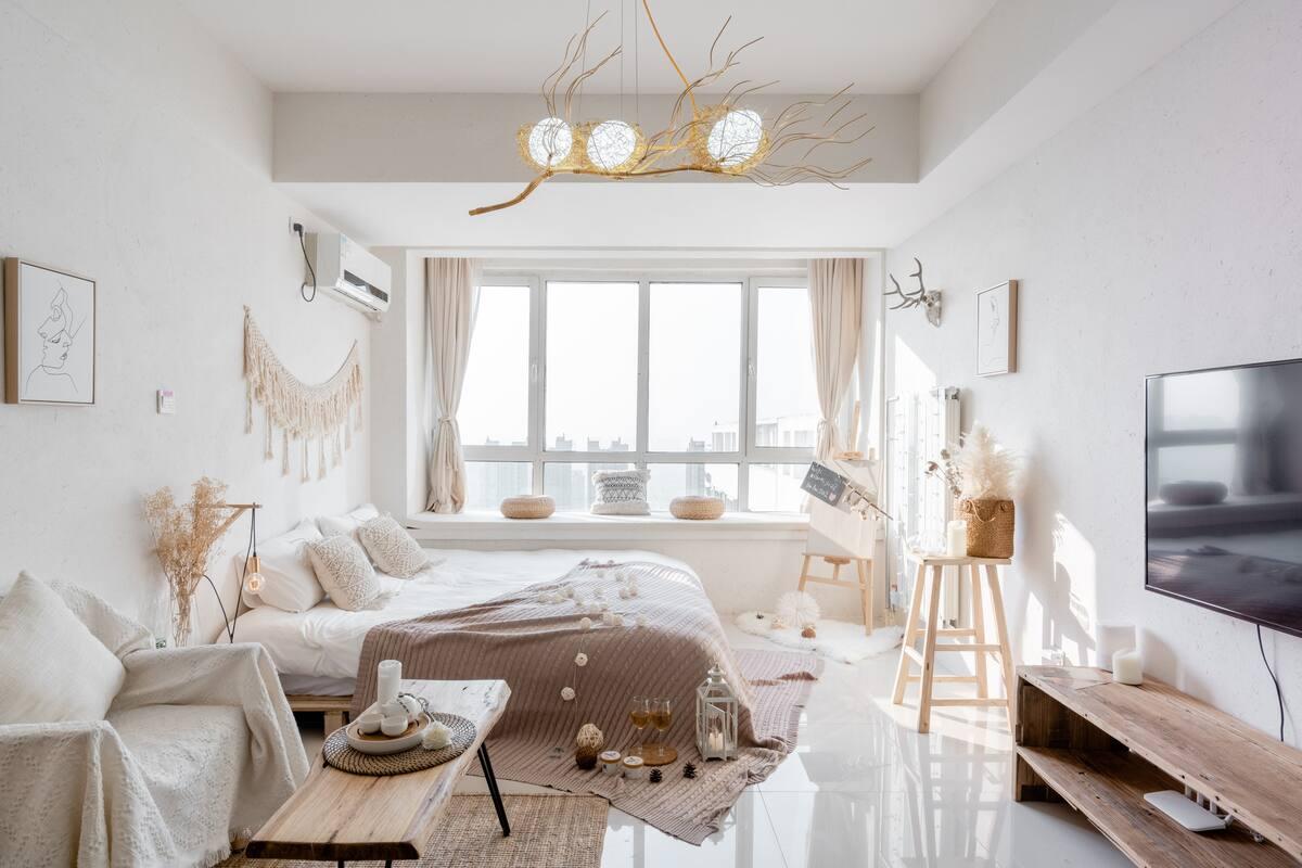 方末(房间已消毒)歇宿于朴素清雅的高层公寓,去玩透青岛市
