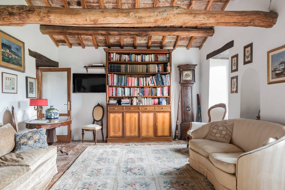Enchanting 600-Year-Old Farmhouse in Amelia