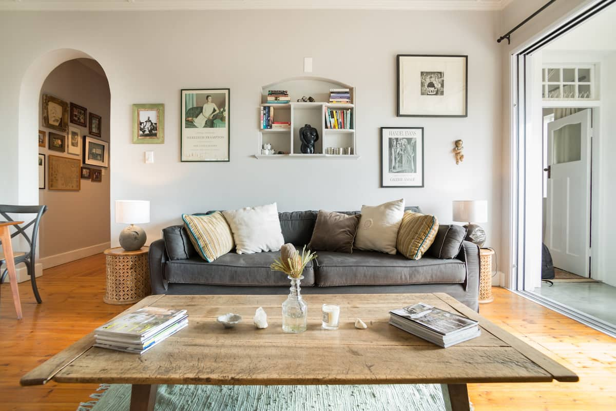 Relax in a Lovely Victorian Flat Filled with Art