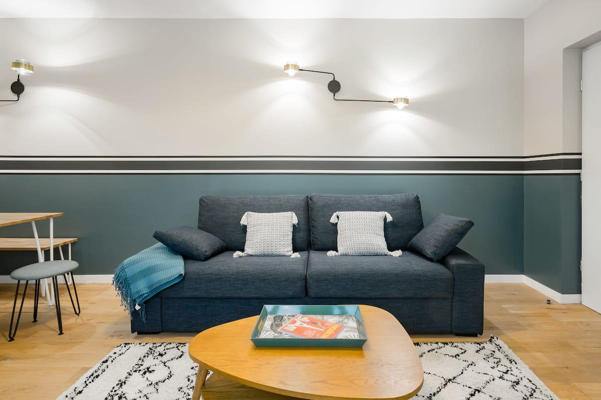 Urban Boutique Apartment with Interior Patio