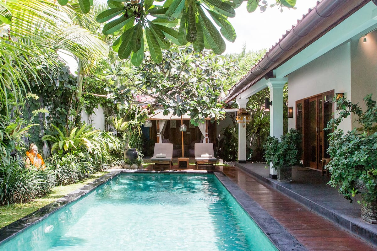 Rest and Recharge at a Peaceful Villa near Local Boutiques
