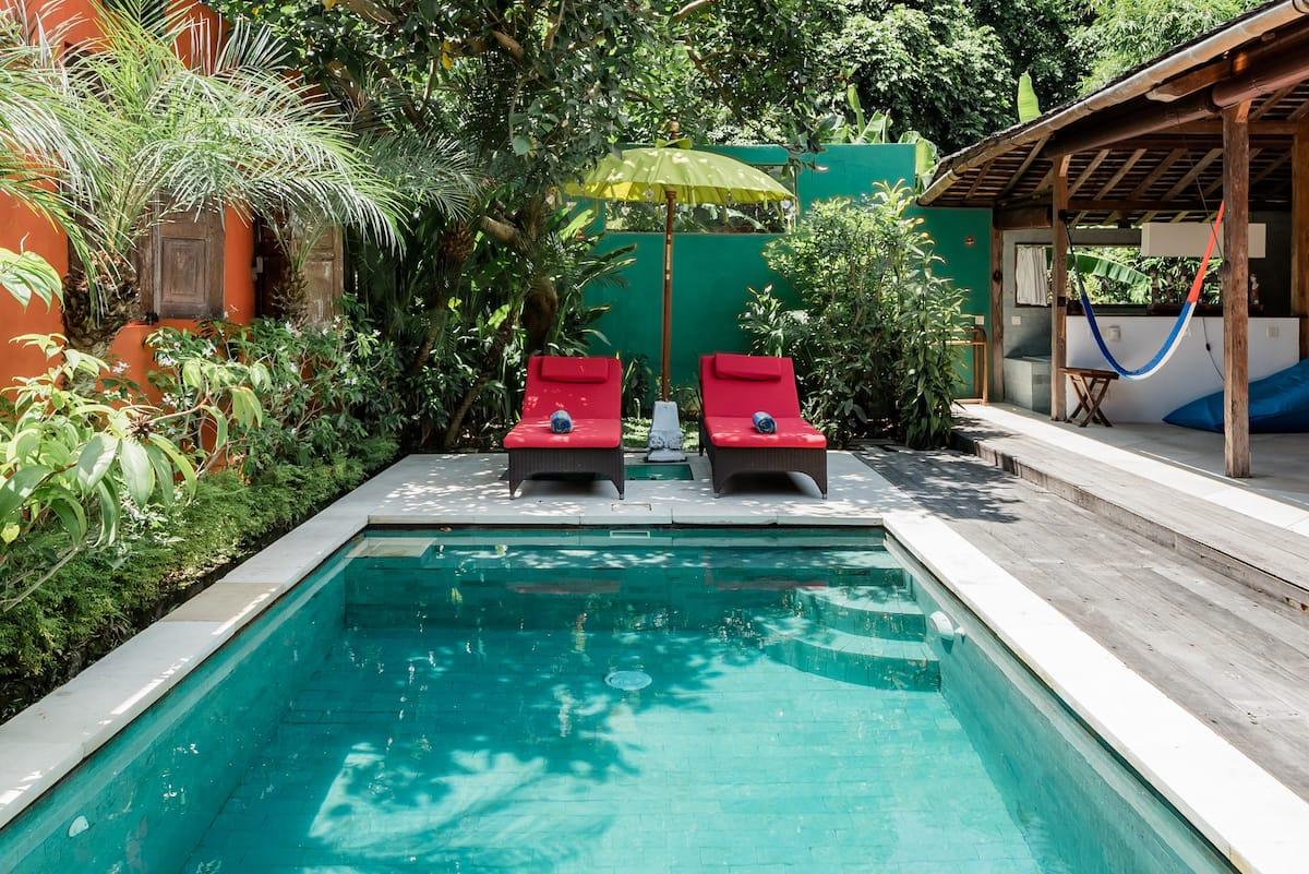Secluded Romantic Retreat near Trendy Beach Bars in Umalas