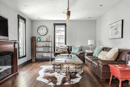 Beautifully Renovated 1918 Bungalow