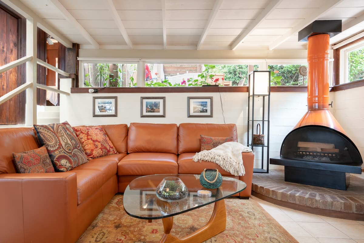 Great Price for Escape to La Jolla, Windansea Bungalow