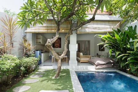 Romantic Villa Private Pool in Seminyak/Legian