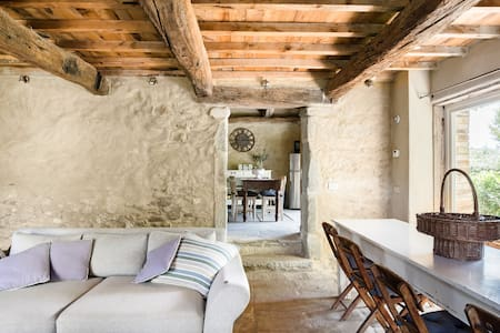 Poggiodoro, your Charming 16th Century Villa with Sauna