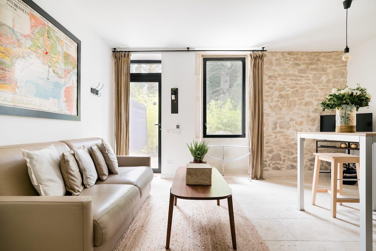 Appartement de charme dans un Mas provençal rénové