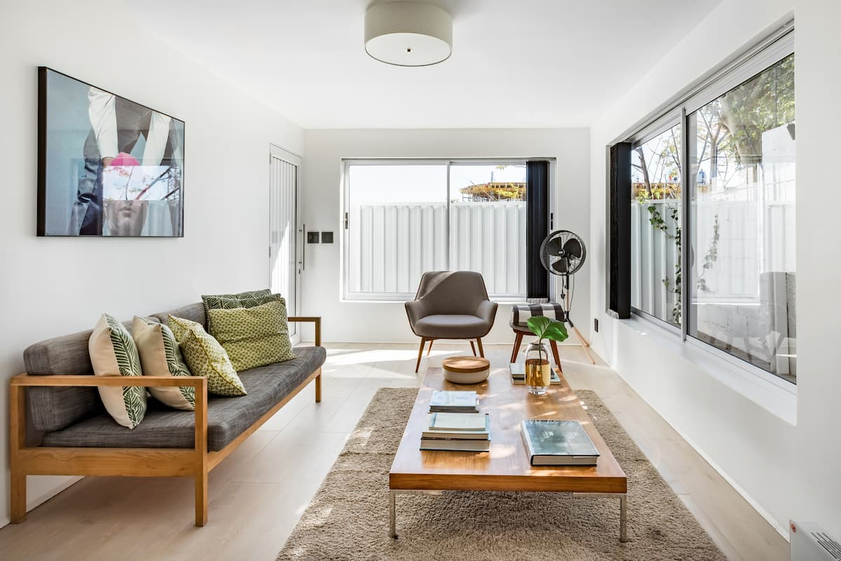 Suave Studio with Creative Interiors in Sea Point