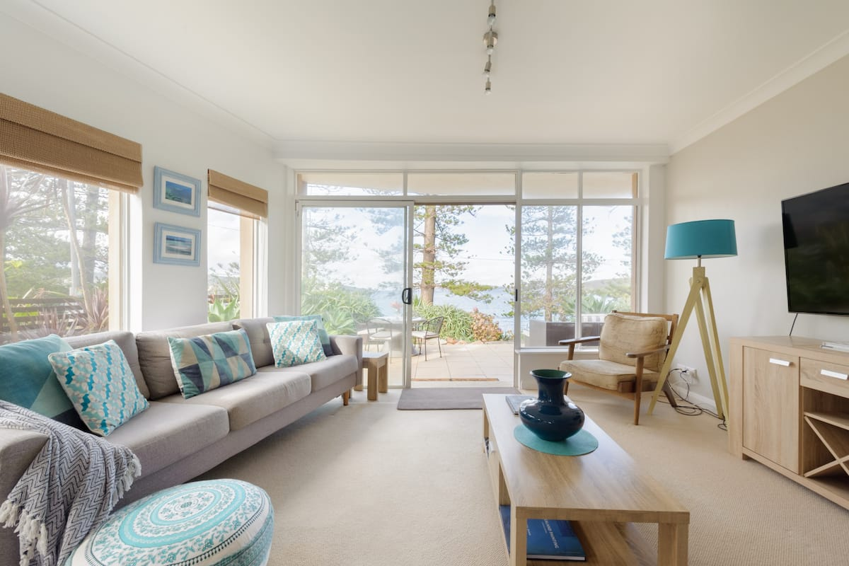 Harbourfront Apartment near Manly Wharf and Beach