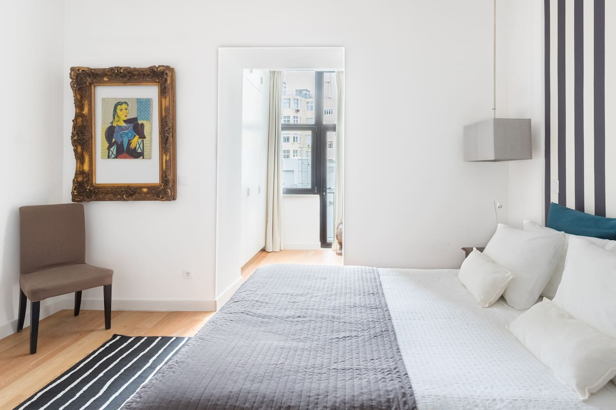 Modern Serviced Apartment across from a Famous Museum